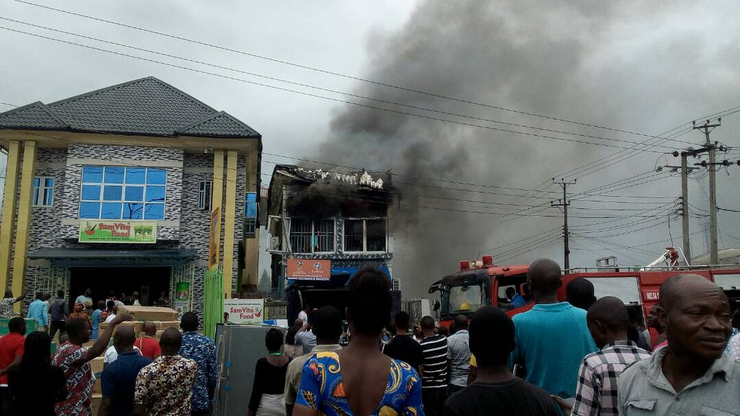 Breaking: Warri Super Shop goes in flame