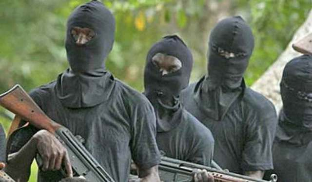 Sketchy: Gunmen shoot Mobile Policeman in Warri, made away with his riffle