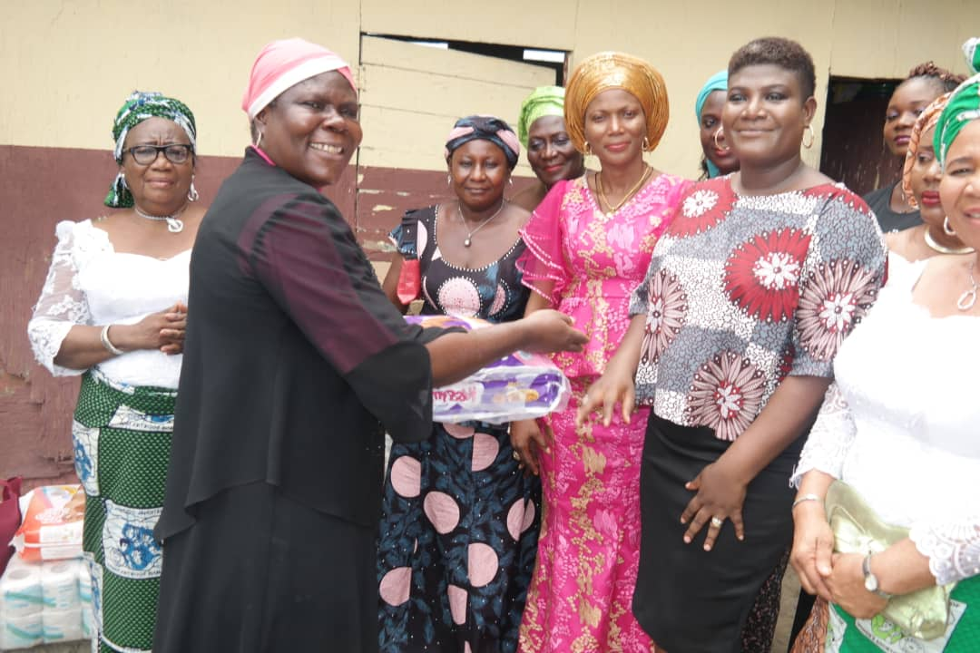 Children's Day: Warri South Chairperson, Tidi donates to orphans
