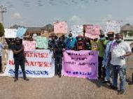 Itsekiri Youths block Delta Government House, demand reversal of ceding of Warri North Chairmanship position to Ijaw